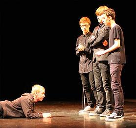 apprendre-le-théâtre-ados-cours-sottevil
