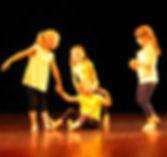 cours-eveil-a-la-danse-contemporaine-pou