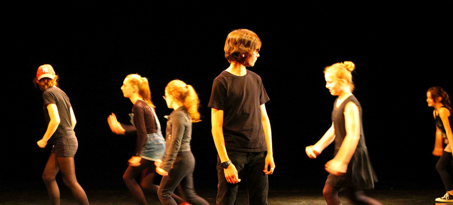 cours-enfant-theatre-expression-sotevill