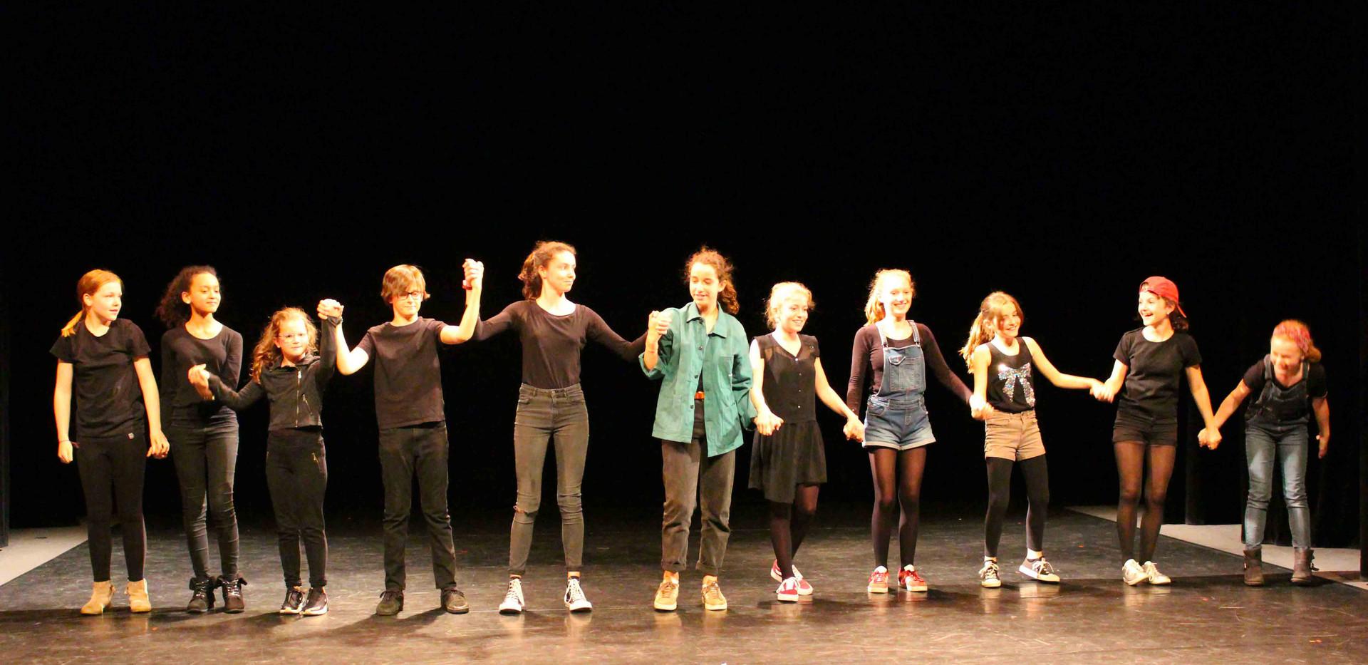 cours-theatre-pour-enfants-de-8-9-10-11-