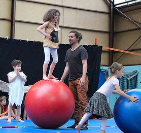 cours-arts-du-cirque-enfant-sotteville-l
