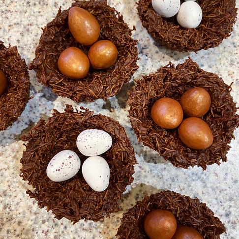 Chocolate & Peanut Butter No-Bake Nests