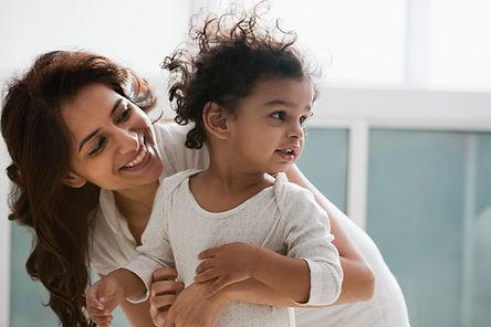 Mãe e uma criança