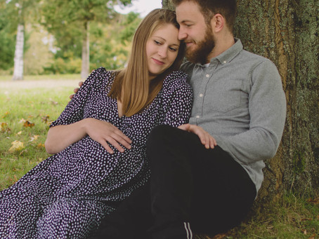 Pregnancy Photography South Wales - Pregnancy Photoshoot - Hannah & Josh