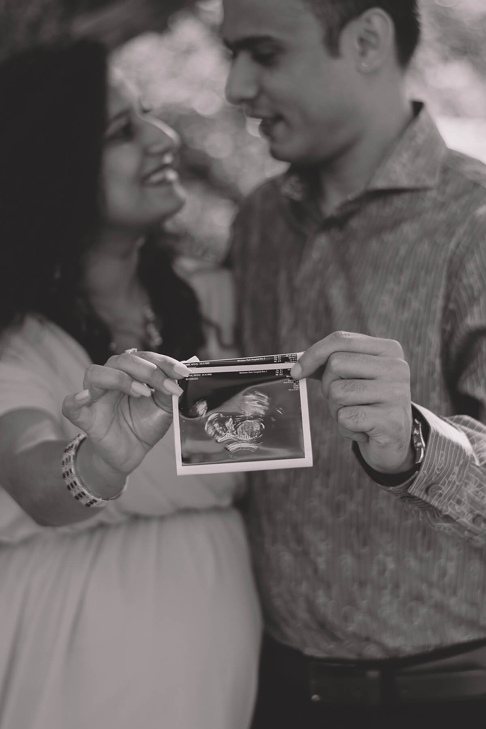 mum and dad with ultrasound