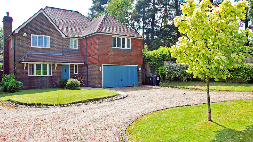 Large 5 bedroom detached house on the edge of Ashdown Forest