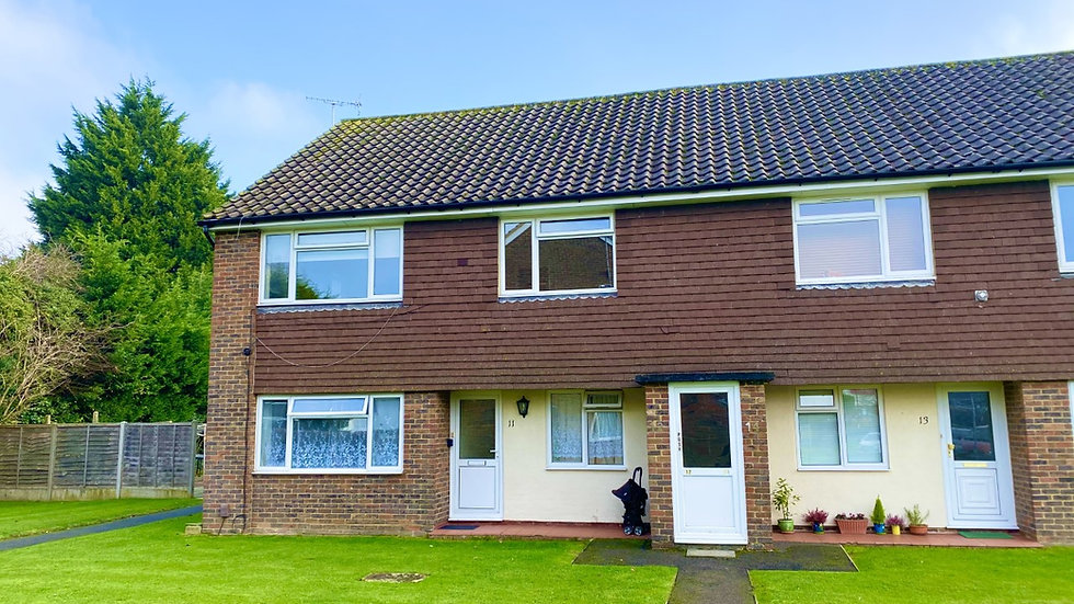 Stylish immaculate 2 double bedroom apartment in Crawley