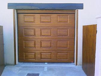 Porte de garage design à bonnatrait