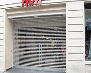 Une grille pour vitrine de magasin à annemasse ou dans le 74