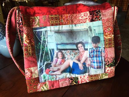Mom's birthday! What to do? Make a messenger bag, of course!