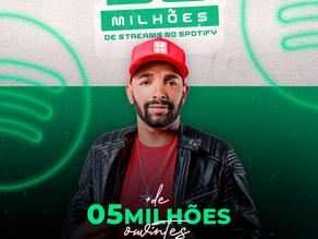 Mais de 90 milhões de streams e mais de 5 milhões de ouvintes no Spotify