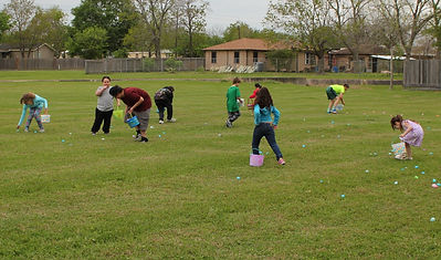 040321 - Easter Egg Hunt (15).JPG