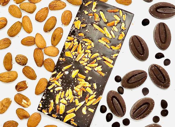 Tablette chocolat au lait amandes caramélisées