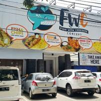 fish-wow-cheeseee.jpg