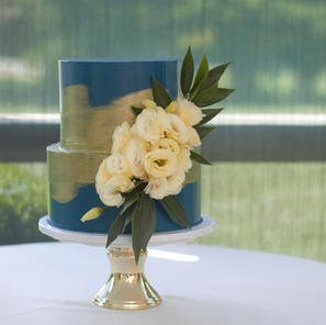 Navy and Gold Brushed Cake