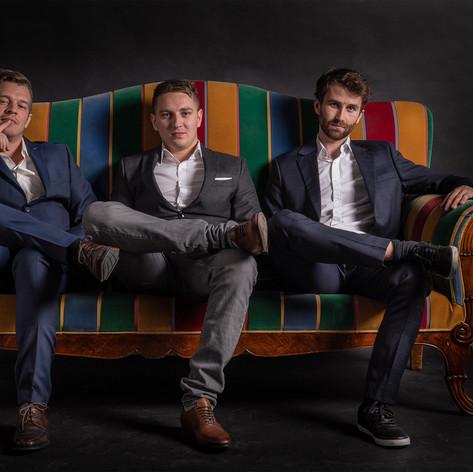 Männer-auf-couch_web.jpg