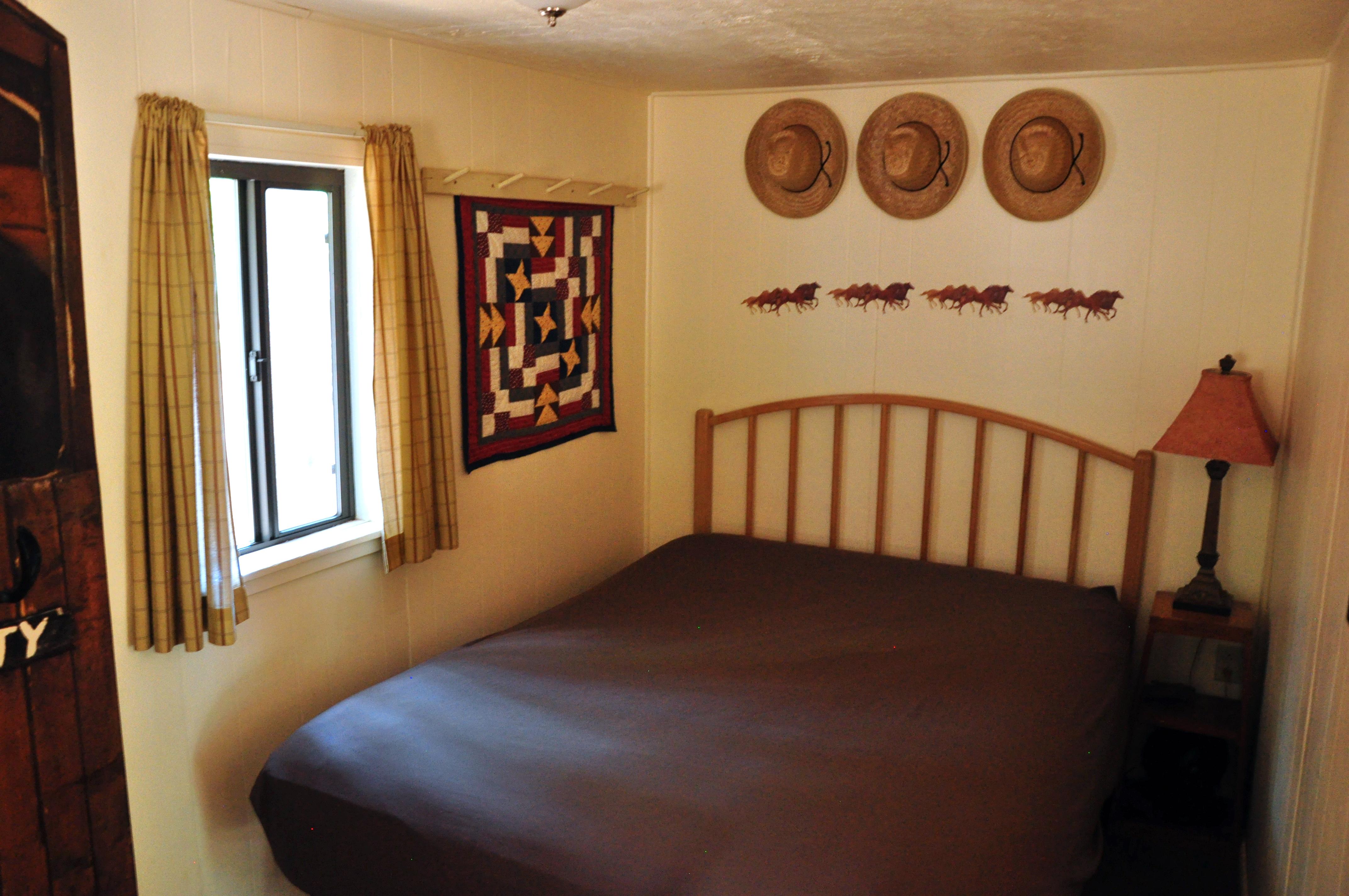 Sequoia Queen Bed