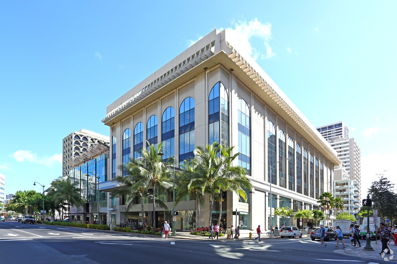 HanaTour in Waikiki Shopping Plaza