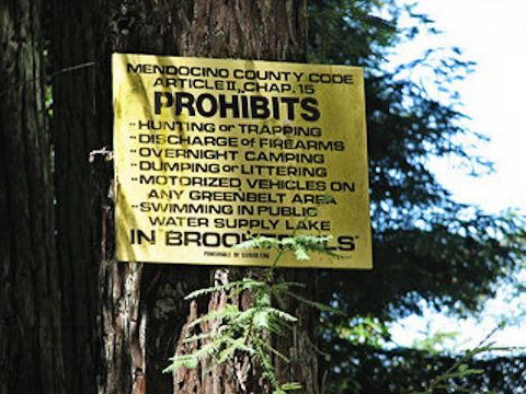 Mendocino County regulations sign posted in Brooktrails