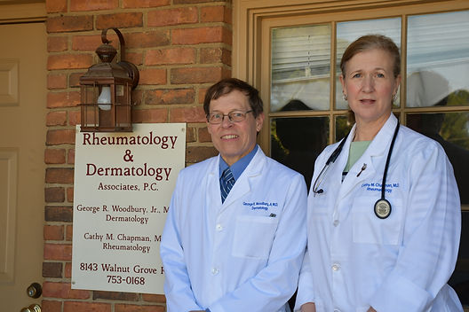Drs. Woodbury+Chapman at 8143 Walnut Gro