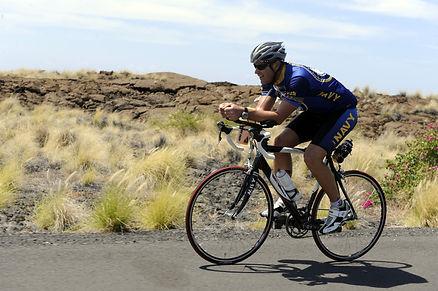 cycling-800834_1920.jpg