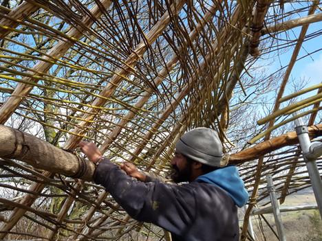 Weaving the roof frame