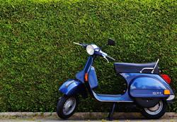 vespa-roller-motor-scooter-cult-159190