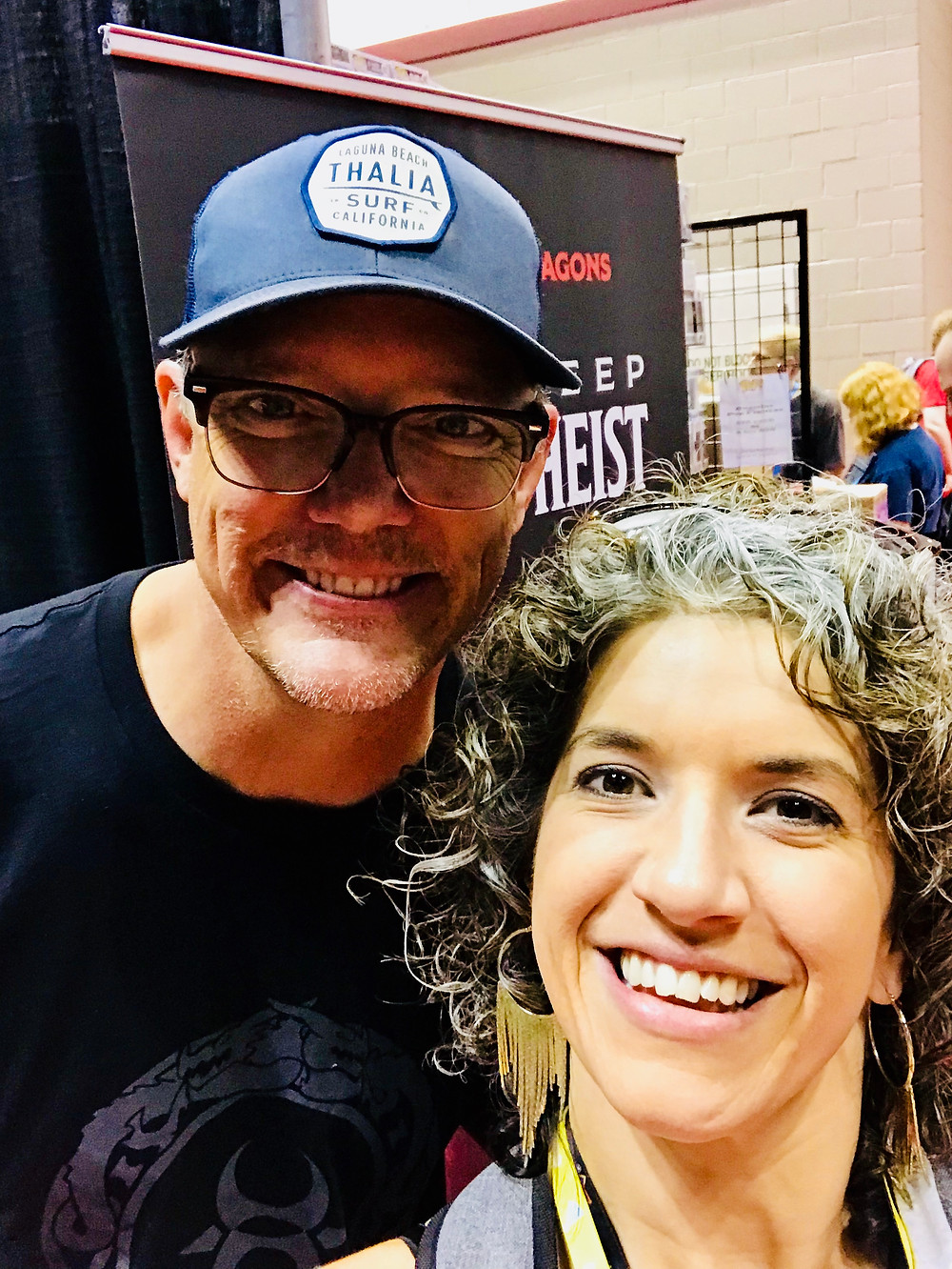 Matthew Lillard and a fan