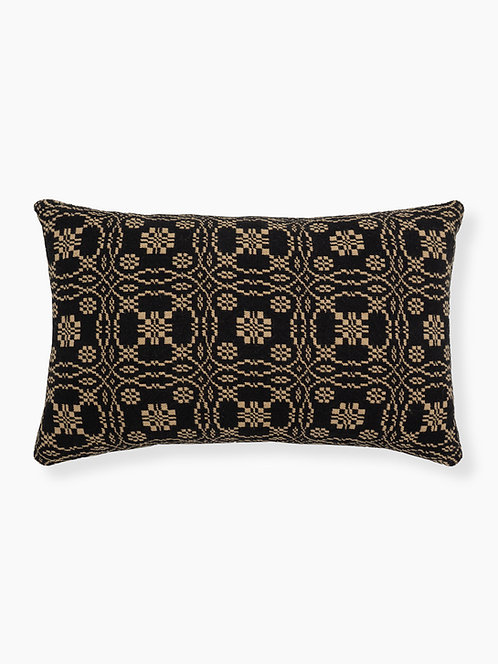 Lover's Knot Pillow Front