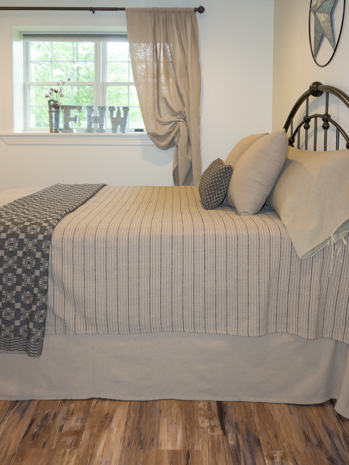 Family Heirloom WeaversFarmhouse Stripe #1Queen BlanketNWT Hemp