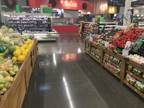 Hy Vee Grocery_Finished Floor_2.jpg