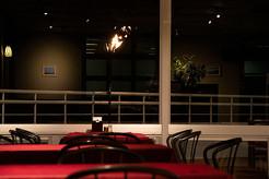 夜のレストランイメージ