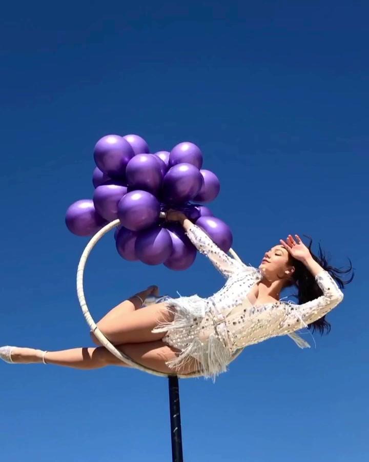Flying balloon .MP4