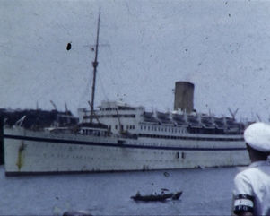 Ship arriving at Singapore 1955.jpg