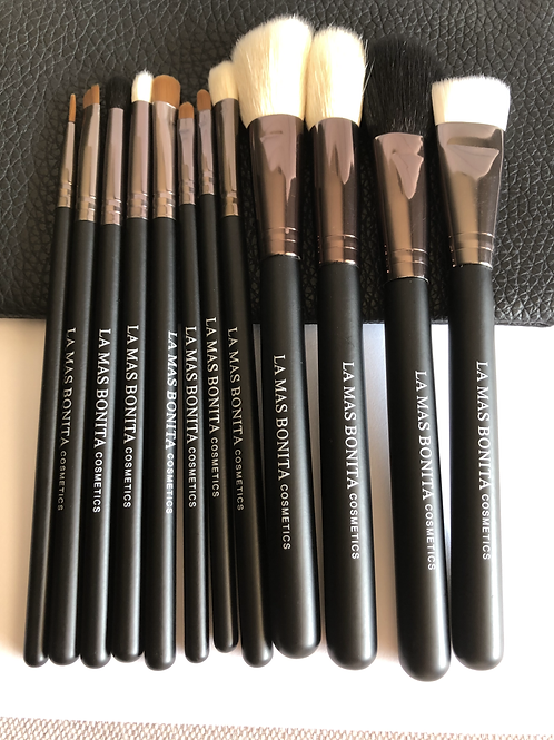 SET OF 12 MAKEUP BRUSHES WITH BAG