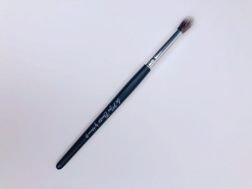 Eye shadow blending brush
