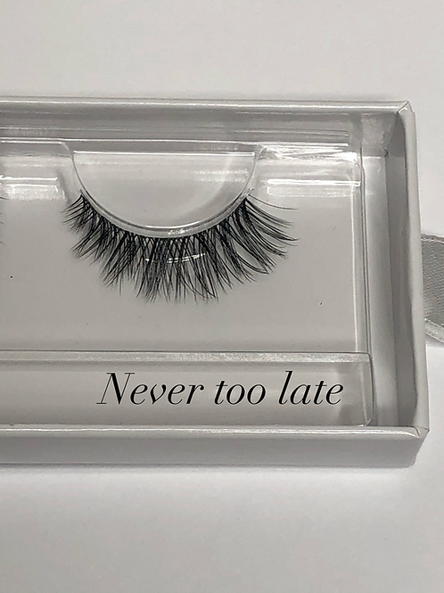NEVER TOO LATE NATURAL LOOK LASHES