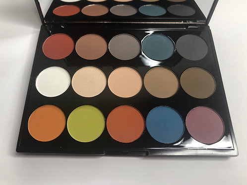 ALL WE NEED IS LOVE  15 SHADES EYE SHADOW PALETTE