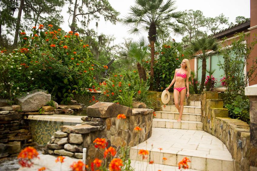 Kate's bikini model image