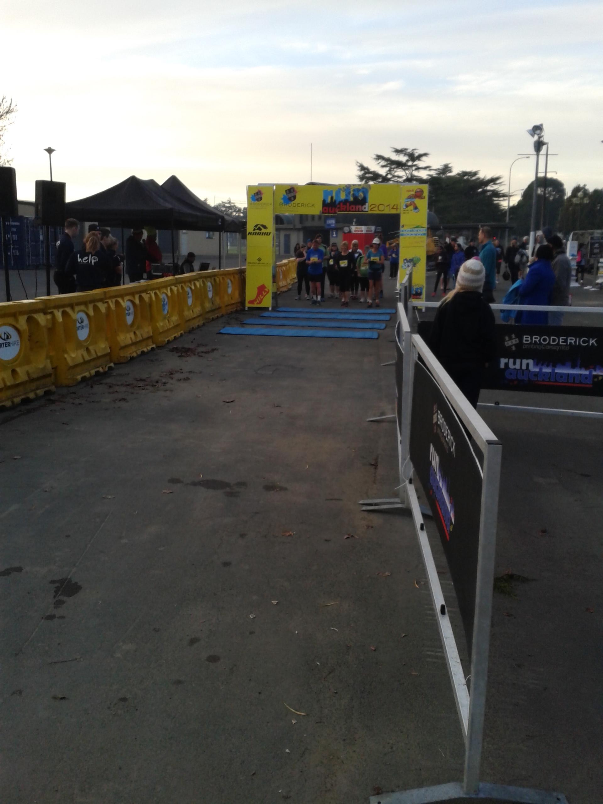 002 5km walkers get set.jpg