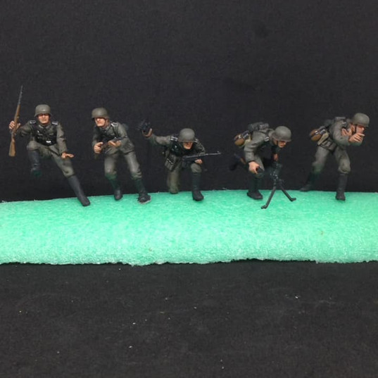 1.35 Tamiya WWII German Soldiers