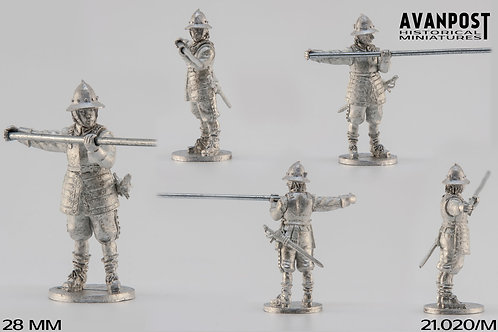 21.020-M Pikeman in Combat Formation