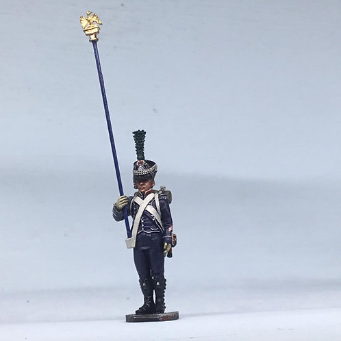11.086-M Eagle Bearer Sergeant in Shako Standing