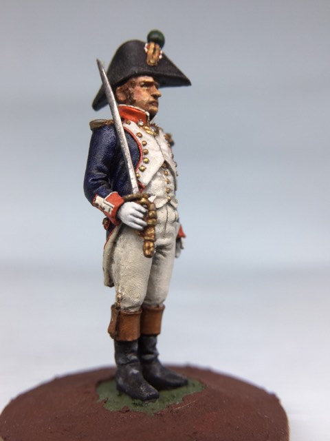 11.034-M Line Infantry Officer Standing in Bicorn