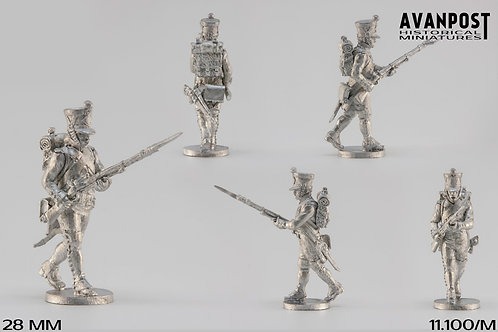 11.100-M Line Infantry Fusilier Sergeant in Shako Attacking