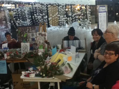 Vente d'artisanats aux Galeries La Tuque                  le 21 décembre 2017