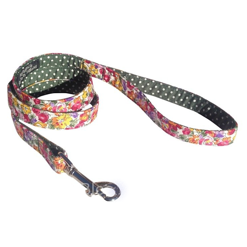Eva Dog Collar by BlossomCo a perfect gift for dog lovers. Handmade in England