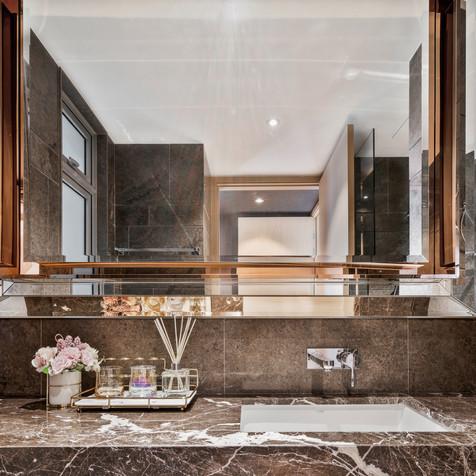 Stars of Kovan | Luxury Bathroom