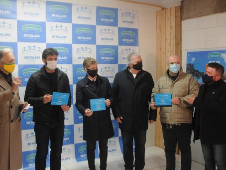 Ministro do Turismo recebe convite para inauguração da Skyglass Canela