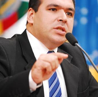 """""""Assistentes Sociais não podem ser esquecidos na vacinação da Covid"""", alerta o Dr. Thiago Duarte"""
